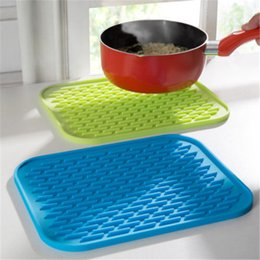 Kitchen Heat Resistant Mats Australia - New year Square Insulation Mat Silicone Table Protection Heat Resistant Anti Scald New Kitchen tool