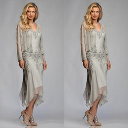 $enCountryForm.capitalKeyWord Australia - Elegant Silver Grey Chiffon Tea Length Mother Of The Bride Dresses With Jacket Suits Lace Appliques Deep V Neck Mother Guest dresses