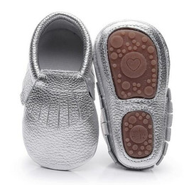 36305178e3e21 Hongteya hot sale Solid Genuine Leather baby moccasins handmade fringe baby  shoes soft rubber bottom for girls boys 0-4 Years