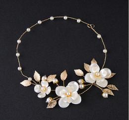 $enCountryForm.capitalKeyWord Canada - Bride's Handmade pearls and flowers with wedding accessories