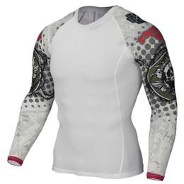 Hombres musculosos de compresión apretada camisa de la piel de manga larga  impresiones 3D Rashguard Fitness Capa Base de levantamiento de pesas Hombre  ... aa73ae3e457a0