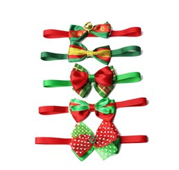christmas bowties UK - Christmas Pet Dog Bow ties Neckties Handmade Adjustable Pet Dog Bowties Festival Neckties Dog Grooming Supplies