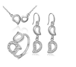 $enCountryForm.capitalKeyWord Australia - New! Elegant Letter D Necklace Pendant Ring Earring 4 pieces suit Inlaid Austria Crystal swarovski elements Not fading lover wedding jewelry