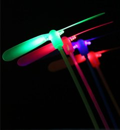 $enCountryForm.capitalKeyWord NZ - Free Shipping 2 leaf Led Lighted Flying Bamboo Dragonfly Helicopter Boomerang Frisbee Flash Children Kids Boys Toys Christmas gift