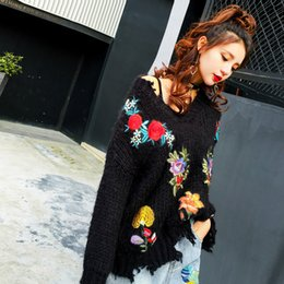 $enCountryForm.capitalKeyWord NZ - Women Vintage V-neck Floral embroideried Patch Sweater Knitted torn Holes tassels flower embroidery Loose long-sleeved Pullover