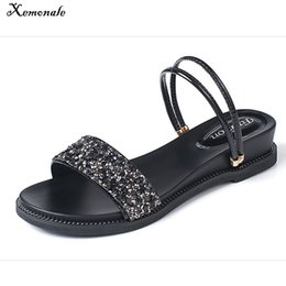 $enCountryForm.capitalKeyWord Canada - Xemonale Women Designer T Strap Sandals Shoes Leather Party Flat Sandals Beach Gladiator Gold Silvery Bling Sandals Brand Summer