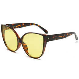 dfbb9609d9f49 2018 nova moda óculos de sol cat eye grande óculos de armação quadro  colorido uv400 praia verão eyewear atacado melody2041 loja