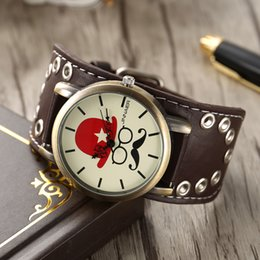 wide leather man watch NZ - 2018 famous men gentleman boys personality retro wide leather quartz cool wristwatches students punk skull bone clock watches