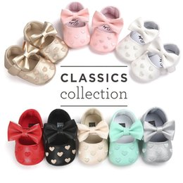 Wholesale Newborn Baby Girls Princess Shoes Heart Shaped Mary Jane Big Bow Prewalkers Soft Bottom Crib Babe Ballet Dress
