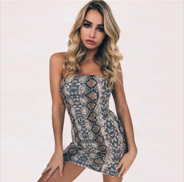 e4ed7d1e97 The spring and summer of 2018 H snake pattern sexy bra shoulder dress snake  pattern sexy strapless dress