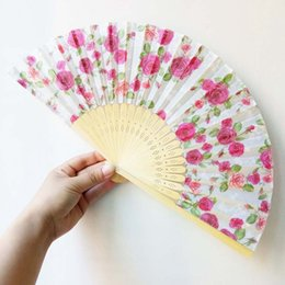 $enCountryForm.capitalKeyWord Canada - Rose Flower Hand Fans Elegant Plum Cherry Blossom Silk Fan Wedding Favors Cherry Folding Fan for Guest Flower Fan