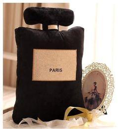 2018 klassische Marke Muster Kissen 50 x 30 cm Parfüm Flasche Form Kissen schwarz weiß Kissen Luxus Mode Design Logo Kissen im Angebot