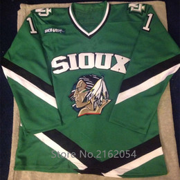 North Dakota Fighting Sioux  11 Zach Parise Green Hockey Jersey Embroidery  Stitched Customize any number and name Jerseys 11 sioux hockey jersey  promotion e3b61f8ea