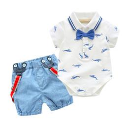 Venta al por mayor de Ropa de verano recién nacido Niños Little Shark T-shirt Trajes + Shorts azules Ropa de bebé para niños Fiesta de cumpleaños Disfraz