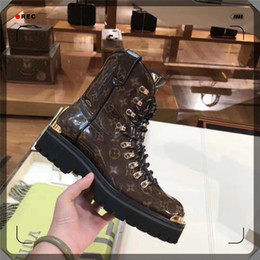 Discount men star brand - Hot Branded Men Women Glazed Leather Ankle Martin Boots Designer Lady Thick Rubber Outsole 7.5cm Chunky Heel Star Trail