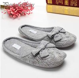 $enCountryForm.capitalKeyWord Australia - Cute Bowtie Warm Winter Women Home Slippers For Indoor Bedroom House Soft Bottom Shoes Adult Gusets Flats Christmas Gift