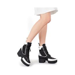 Hearts Boots Canada - Laureate Platform Desert Boot 1A41Qd 1A43Lp Black Heart Boots Overcloud Platform Desert Boot Luxury Brand Martin Boots 0L0V029