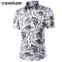 floral summer shirts for men NZ - New Arrival 2018 Fashion Mens Short Sleeve Hawaiian Shirt 10 Colors Summer Casual Clothes Floral Shirts For Men Asian Size M-5XL Y1892102