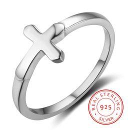 28dca8ce7ec1 Proveedores de China nuevos diseños baratos puros 925 plata esterlina moda  mujer joyería de Jesús anillo de cruz simple