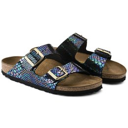 Chinese  Famous Brand Arizona Male Flat Sandals Women Casual Shoes Male Buckle Summer Beach Top Quality Genuine Leather Slippers With Orignal Box manufacturers