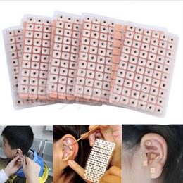 600 Pcs / lot Détente Oreilles Autocollants Acupuncture Aiguille Oreille Vaccaria Graines Oreille De Massage Auriculaire Pâte Presse Graines en Solde