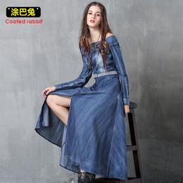 35f9d8c0e9 Fuera del hombro mujeres del verano vestido de mezclilla sexy slash cuello  de manga larga jeans divididos vestidos largos vestido de fiesta ocasional  ...