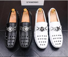 groom men shoe Canada - 2018 New Men loafers gold and Silver Diamond rivets surface design party man flats Spiked Loafers Rivets shoes Groom Wedding Christmas 6