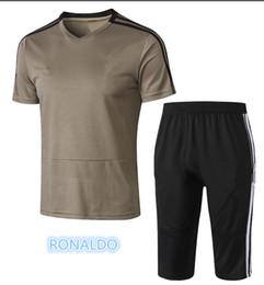 2018 2019 RONALDO Jersey 7 Soccer Men17 MANDZUKIC 10 DYBALA 14 MATUIDI 19  BONUCCI CRISTIANO Football Shirt Kits 8b9775708