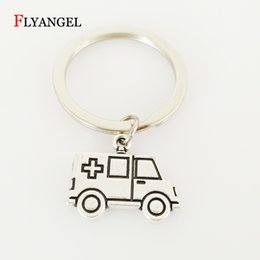 Wholesale 2018 Stainless Steel Ambulance Car Pendant Keychain for Doctors Nurse Medical Graduates Keyring Jewelry Gifts