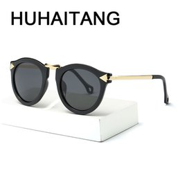 695a2abc3426 HUHAITANG New Fashion Cat Eye Sunglasses Women Vintage Arrow Sun Glasses For  Ladies UV400