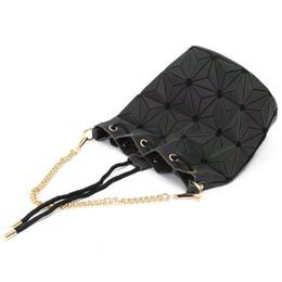 $enCountryForm.capitalKeyWord NZ - 19*16 cm 2018 fanshion brand handbag cross pattern synthetic Lingge Draw String shell bag chain Bag Shoulder Messenger Bag fashionista