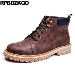 6a303c36eb Inverno Alta Top Curto Trabalho Exército Botas De Pele Do Tornozelo Ao Ar  Livre Marrom Estilo Britânico Botas Sapatos Masculinos Lace Up Moda de  Segurança
