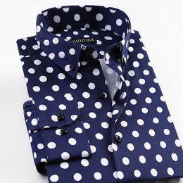 b08edb0f2fbc7dd 2018 Мода Новая весна печатных горошек мужская повседневная рубашки с  длинным рукавом 97% хлопок Марка качество Slim Fit Non-iron мужчины рубашки