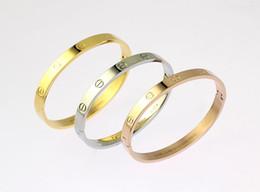$enCountryForm.capitalKeyWord Australia - linlin Factory Price Celebrity design Screw bracelet Fashion Letter Metal Buckle Screw bracelet With Box