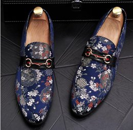 China NEW Men's Shoes Luxury Brand gold Genuine Leather Casual Driving Oxfords Flats Shoes Mens Loafers Moccasins Italian Shoes size 38-43 cheap italian men's dress shoes brands suppliers
