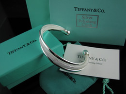 Plastic Green Flowers China NZ - High Quality Celebrity design Silverware bracelet Women Letter wristband Bracelets Jewelry With dust bag Box