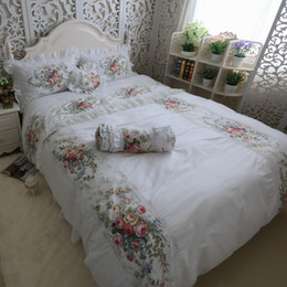 Discount ruffle bedding - Hight Quality 100% Coon Whte Lace edge Ruffles Rose Printing Bedding Set Fairy Girl Bed Skirt Duvet Cover Set 4pcs Queen