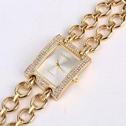 Смешанный заказ почти бесплатный образец новый дамы бизнес часы из нержавеющей стали Рейн камень Кристалл наручные часы завод поставщик Оптовая