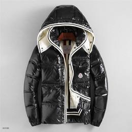 Ingrosso Mens Designer Jacket Autunno Inverno Coat Windbreaker Marca Coat Zipper New Fashion Coat Outdoor Sport Giacche Plus Size Abbigliamento maschile