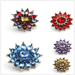 Discount black metal bangles - 20pcs lot 18mm Crystal Flower Retro Alloy Ginger Snap Metal Snaps Charm snap Button for Jewelry Bracelet Bangles Necklac