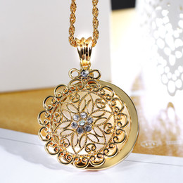 Glass Magnifier Gold NZ - whole sale2018 New look Top Sell Flower Reading Glass White Crystal Gold-color Trendy Gift Women Brand Pendant Fashion Necklace Magnifier