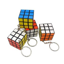 Plastic Lighted Cube UK - 3 X 3 X 3 CM Mini Magic Cube Puzzle KeyChain Toy Pendant Key Ring Square key ring kids toy gift FFA187 120PCS