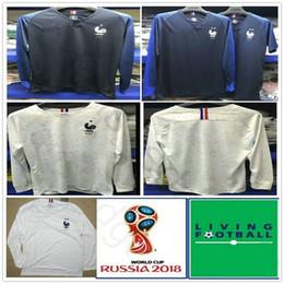 b289ff7cfeef7 2018 Manga Longa Camisas De Futebol Francês 7 GRIEZMANN 6 POGBA 10 MBAPPE  11 DEMBELE KANTE UMTITI Personalizar Camisa de Futebol Azul Branco