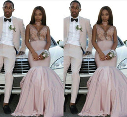 $enCountryForm.capitalKeyWord NZ - Sexy Light Pink V-Neck Mermaid Prom Dresses With Lace Appliques Formal Evening Special Occasion Gowns For Fashion Couple Vestidos De Novia