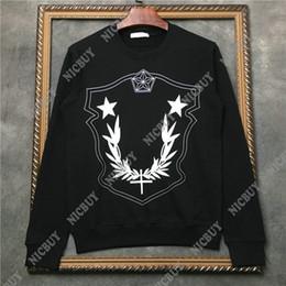 80c514a1d25ae diseñador de marcas de ropa de lujo para hombres con rayas rojas