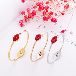 $enCountryForm.capitalKeyWord NZ - new arrival red lips shaped design friendly plating stainless steel carter bangles for women wedding party with Austrian crystal