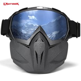 Wholesale KUTOOK UV 400 Double lens Snowboard Goggles Anti-fog Ski Glasses With Case Snow Goggles Windproof Skiing Equipment Ski Mask