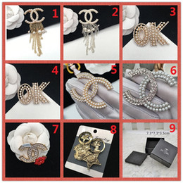 Discount ball box plastic - wholesale!14K Brand Designer Pearl Brooch letter corsage collar needle Diamond Wedding Party Fashion Jewelry Gift Scarf