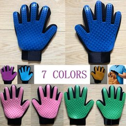 $enCountryForm.capitalKeyWord NZ - 7 Color Pet hair glove Comb Dog Cat Grooming Cleaning Glove Deshedding left Right Hand Hair Removal Brush Promote Blood Circulation