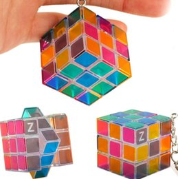 Science gameS puzzleS online shopping - Luminous green3x3x3cm Mini Magic Cube Puzzle Keychain Magic Game magic Square key ring learning education game cube good Gift toys